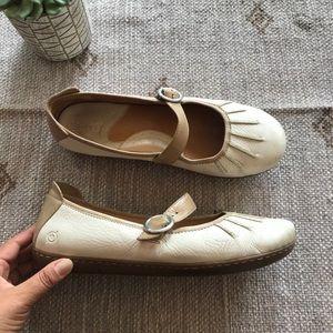Born ivory/ tan leather Mary Jane flats size 11